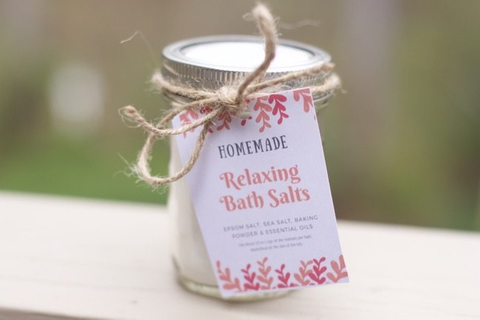 How to Make Homemade Bath Salts For Gifts