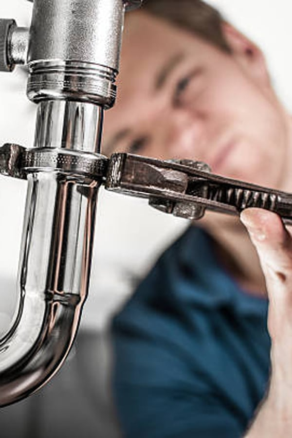 Top 5 Signs It's Time to Call a Plumber