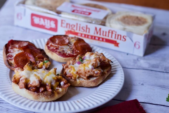 Bays English Muffin Pizza BBQ Chicken pizza