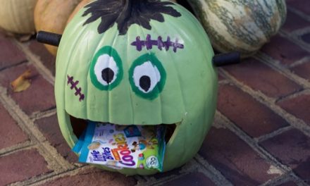 Simple Pumpkin Party Favors for Fall or Halloween