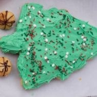 How to Make a Christmas Tree Pull Apart Cake with Little Bites