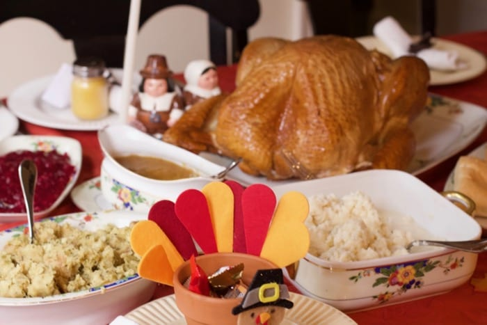 Tips to Host a Super Easy Thanksgiving Dinner Party in 3 Hours or Less