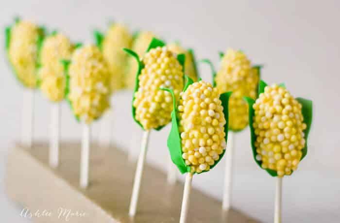 Corn on the Cob Shaped Oreo Ball Pops