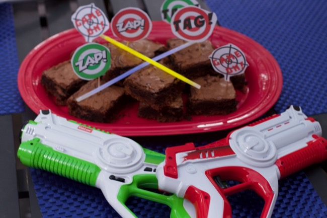Laser Tag Guns & Laser Tag Party Treats