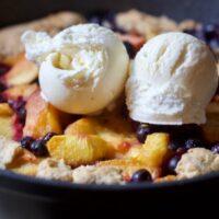 Super Easy and Delicious Skillet Peach Cobbler Recipe